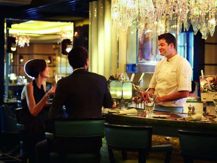 Kaspar's Seafood Bar and Grill, The Savoy, London